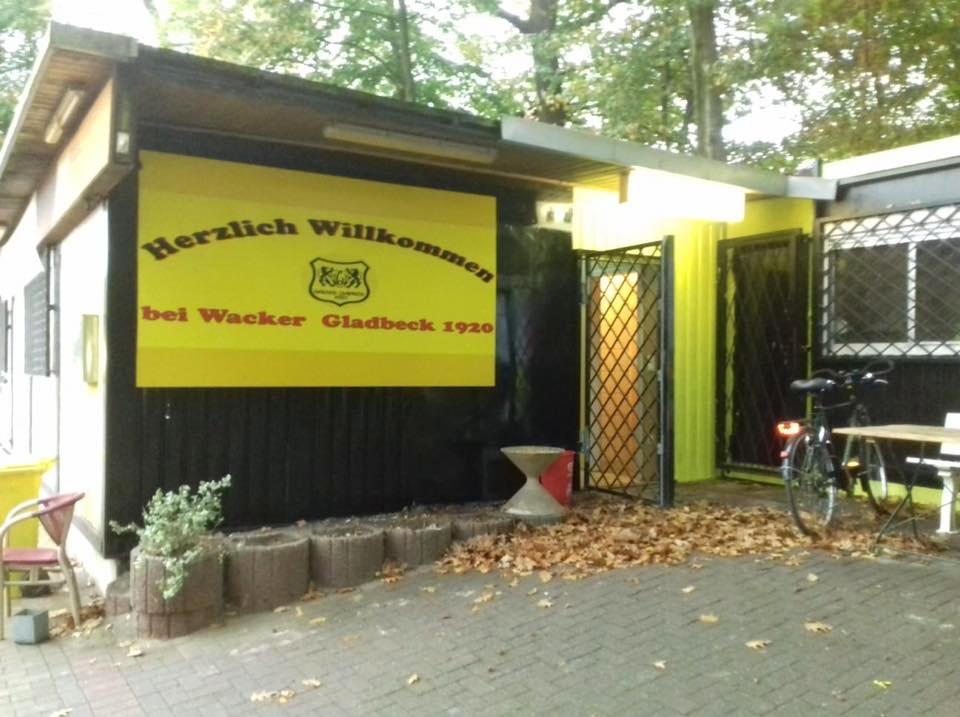 Wacker Gladbeck Vereinsheim erhält neuen Anstrich