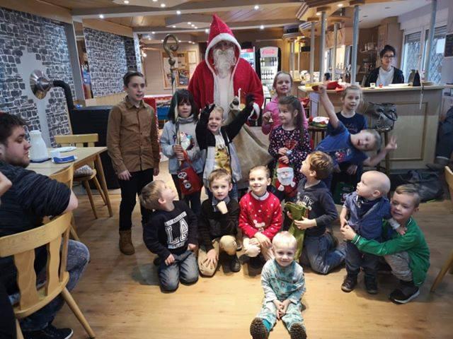Wacker Gladbeck - Weihnachtsfeier unserer Minis mit Besuch des Nikolaus